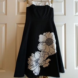 White House Black Market Dress Flower Size 8